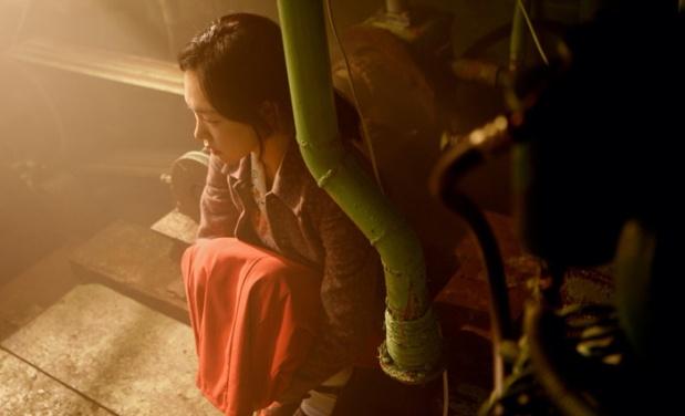 'Hong-mae' (Han Ye-ri) sus ojos se ven vacíos y cálido a la vez.